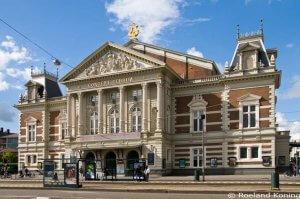 Koninklijk Concertgebouw aan Museumplein in Amsterdam