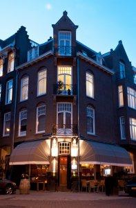 Restaurant Oud-Zuid bij schemering